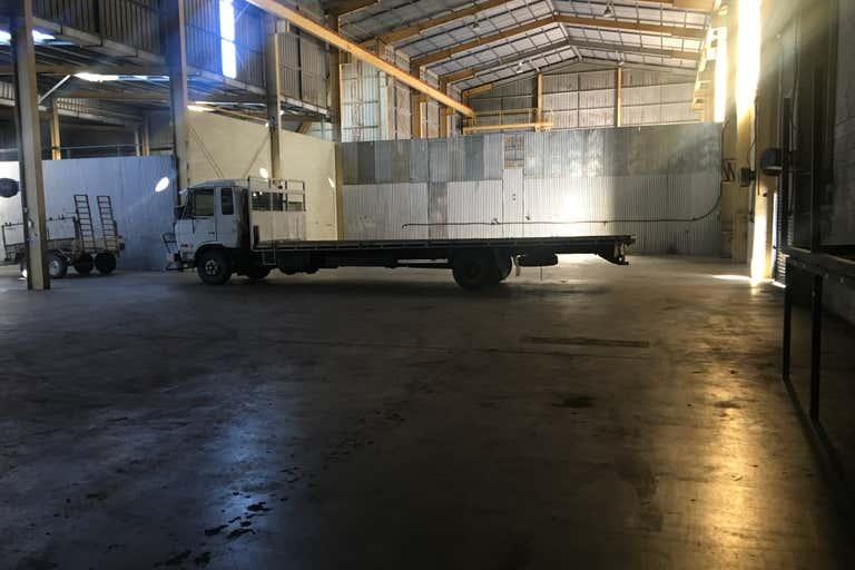 3B/138 Enterprise Bundaberg West QLD 4670 - Image 3