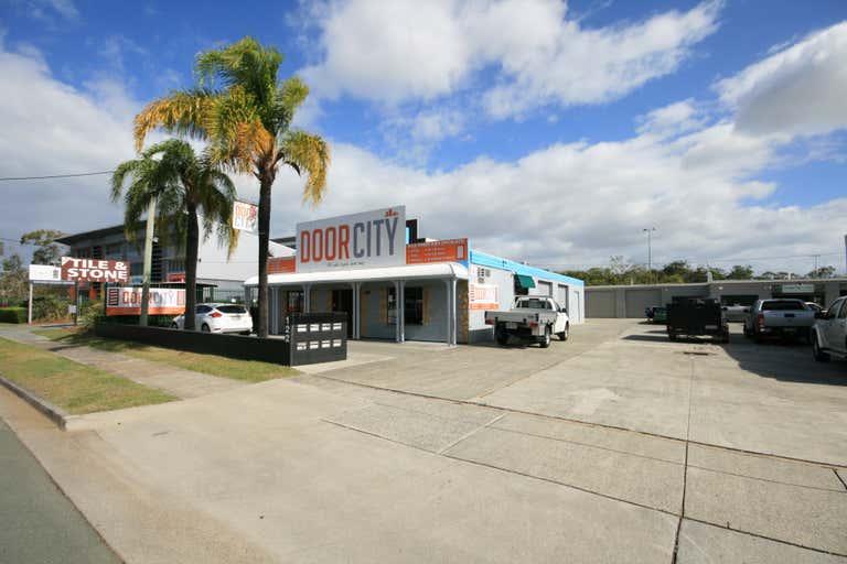1&2/122 Brisbane Road Labrador QLD 4215 - Image 1