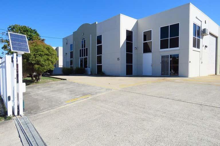 1a/15 Hutchinson Street Burleigh Heads QLD 4220 - Image 2