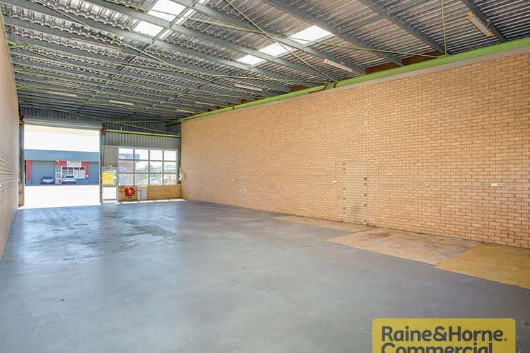 12/28 Bangor Street Archerfield QLD 4108 - Image 2