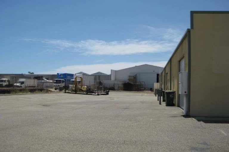 1/13 Helmshore Way Port Kennedy WA 6172 - Image 2