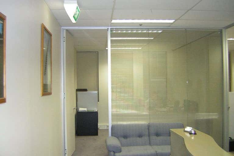 2/85 Queen Street Melbourne VIC 3000 - Image 2