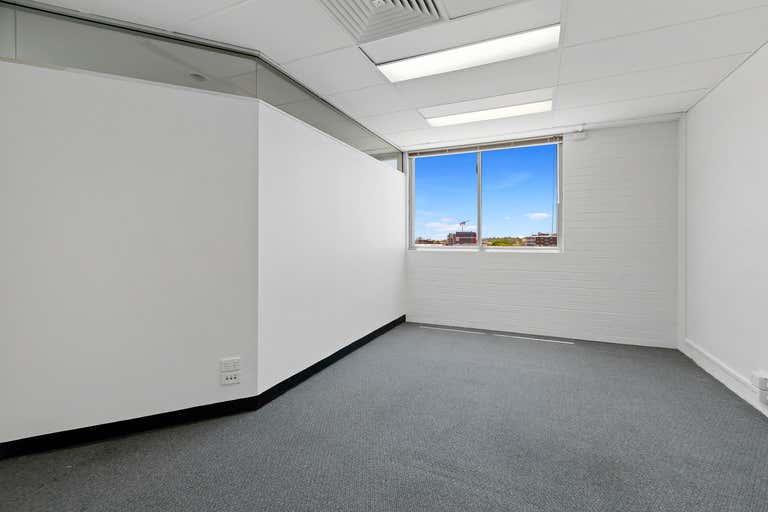 7/182 Bay Terrace Wynnum QLD 4178 - Image 1