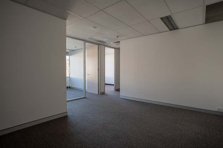 34 - Leased, 6 Meridian Place Bella Vista NSW 2153 - Image 4