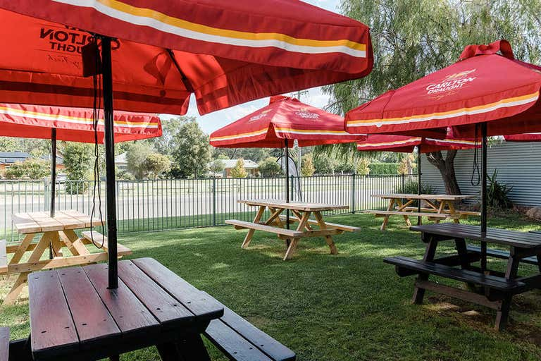 FARMERS ARMS HOTEL, 58-60 Hennessy Street Tocumwal NSW 2714 - Image 2
