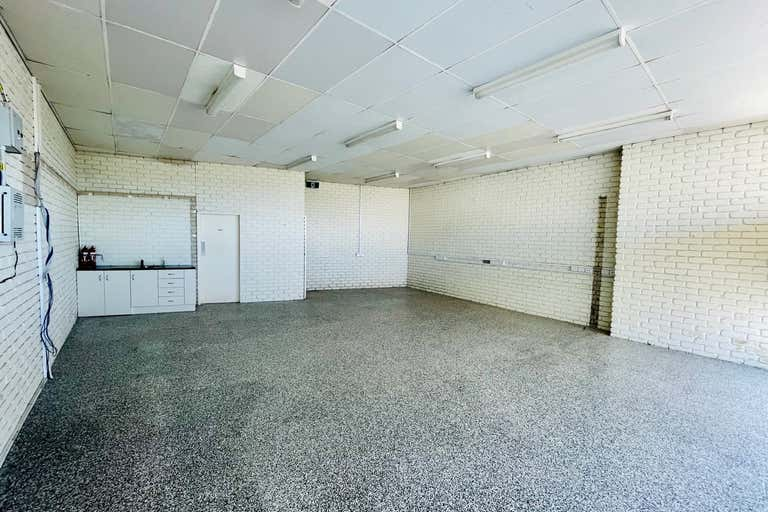 64 Coulstock Street Epping VIC 3076 - Image 2