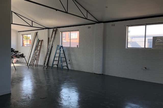 RENOVATED THROUGHOUT LOFT STYLE CREATIVE SPACE  - Image 2