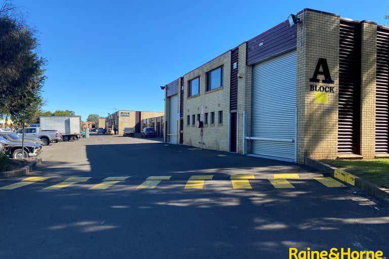 Unit 3A, 4 Louise Avenue Ingleburn NSW 2565 - Image 1