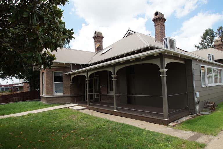 98 Rusden Street Armidale NSW 2350 - Image 2