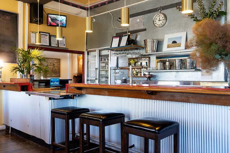 Albion Hotel Motel, 152 Duke Street Castlemaine VIC 3450 - Image 2