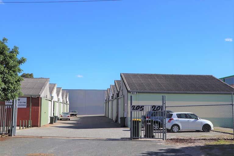 201D  Bank Street East Victoria Park WA 6101 - Image 1