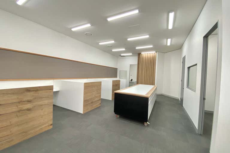 Suite 5a/82-86 Minnie Street Southport QLD 4215 - Image 2