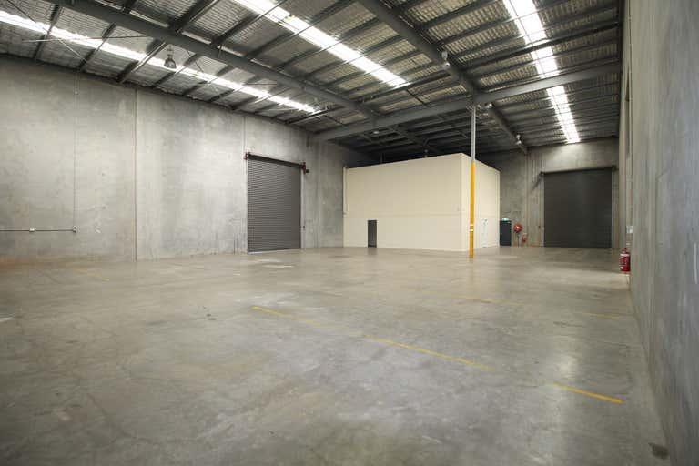 1B/7-9 Gardner Court Wilsonton QLD 4350 - Image 2