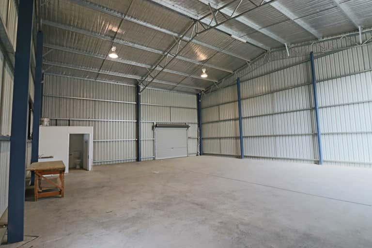 2/30 Annette Crescent Lavington NSW 2641 - Image 2