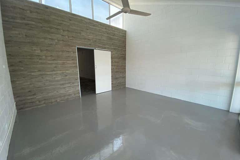 1/11 Palm Beach Avenue Palm Beach QLD 4221 - Image 1