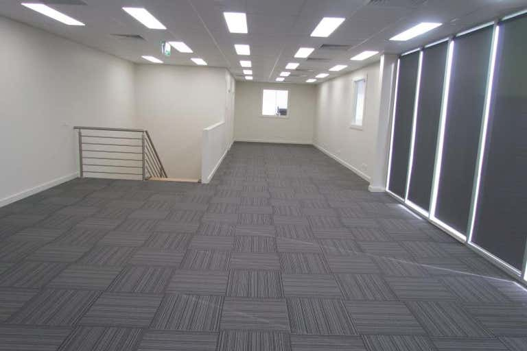 Unit, 39 CAMBRO ROAD Clayton VIC 3168 - Image 3