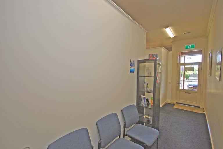 2/405 Warrenheip Street Buninyong VIC 3357 - Image 4