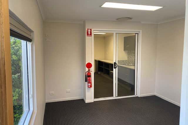 1/15  Hook Street Capalaba QLD 4157 - Image 2