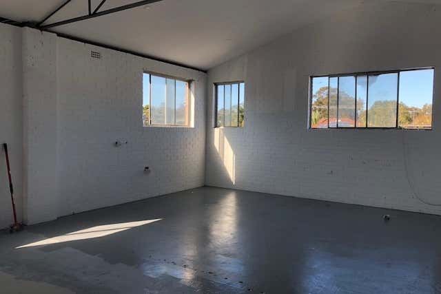 RENOVATED THROUGHOUT LOFT STYLE CREATIVE SPACE  - Image 1