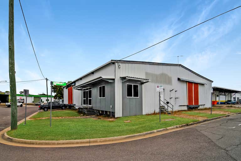 2/8 Horwood Street Currajong QLD 4812 - Image 2