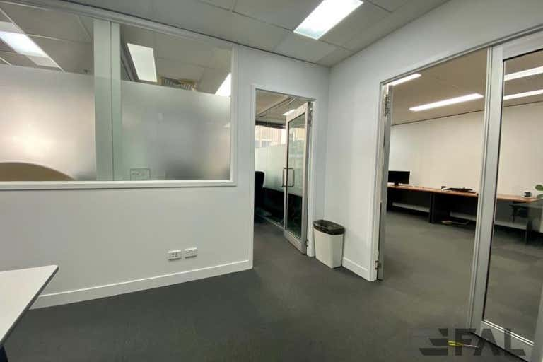 Traxview Strate Office Tower, Suite, 97 Creek Street Brisbane City QLD 4000 - Image 4
