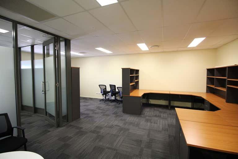 1B/7-9 Gardner Court Wilsonton QLD 4350 - Image 3