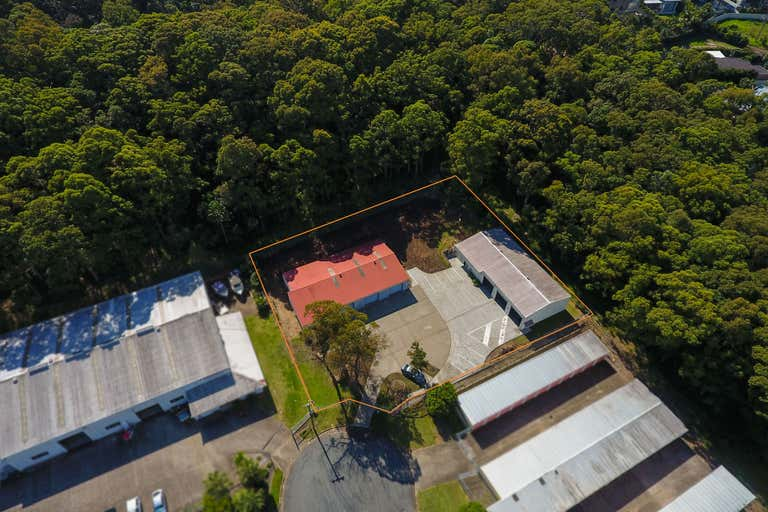 4 COMMERCE COURT Forster NSW 2428 - Image 1