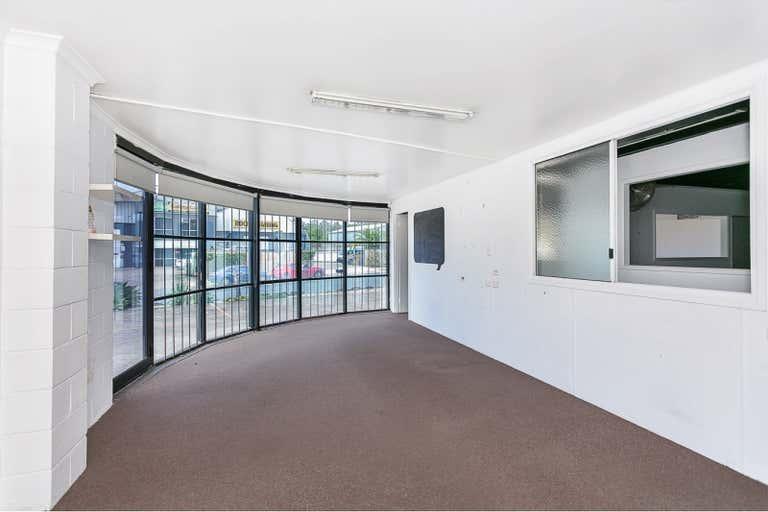 1/49 Taree Street Burleigh Heads QLD 4220 - Image 3