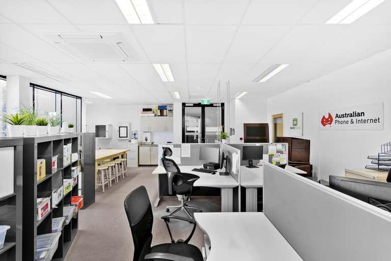 1st Floor/182 Latrobe Terrace Geelong West VIC 3218 - Image 2