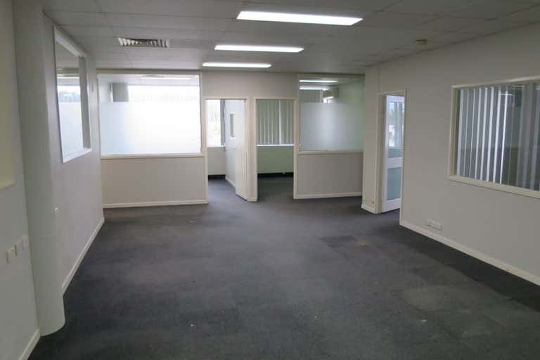 Unit 15/E & F Pacific Place, 10 Old Chatswood Road Springwood QLD 4127 - Image 3