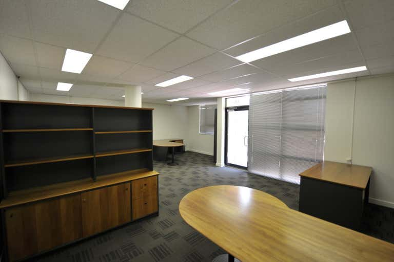 13/116 Mounts Bay Road Perth WA 6000 - Image 2