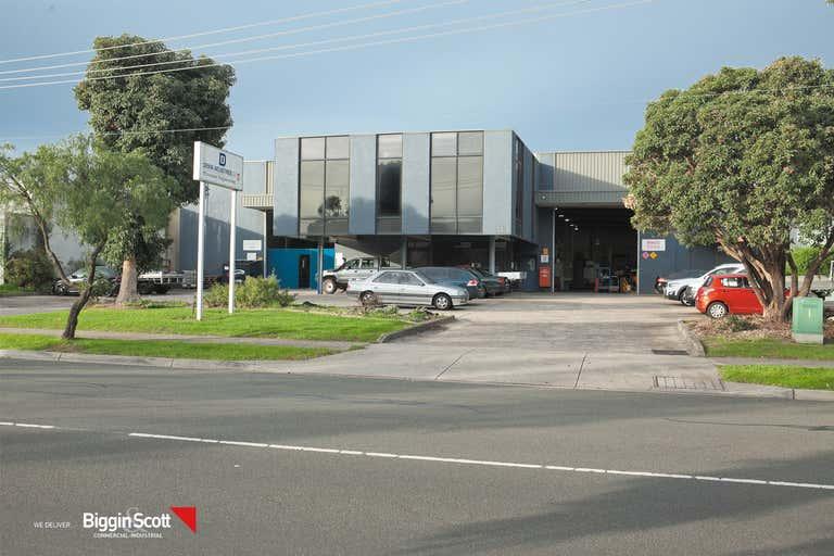 51 Gilbert Park Drive Knoxfield VIC 3180 - Image 3