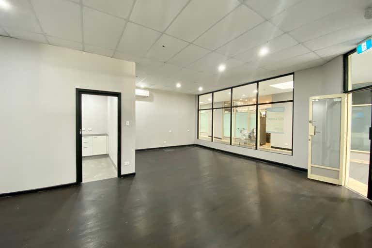 Shop 11, Lachlan Court, 100 George St Windsor NSW 2756 - Image 2