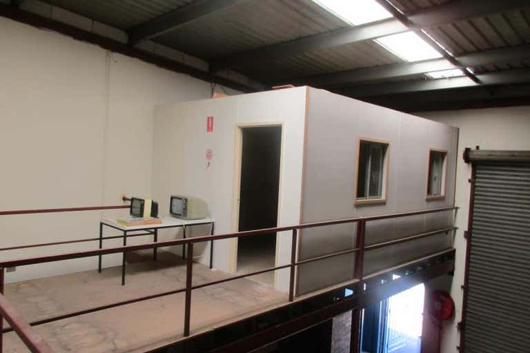 Unit 3, 20-22 Barry Road Chipping Norton NSW 2170 - Image 2