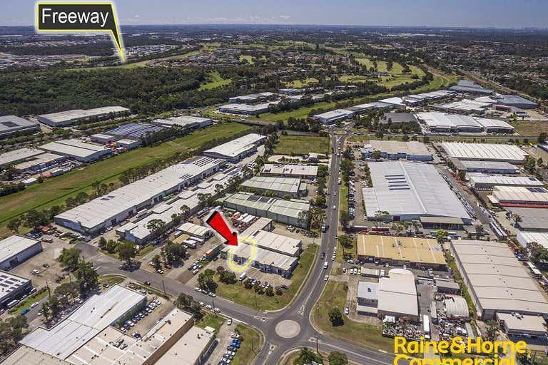 Unit 2, 15 Aero Road Ingleburn NSW 2565 - Image 4