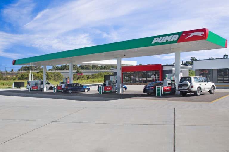Puma Service Station Corner Weakleys Drive & Glenwood Drive Thornton NSW 2322 - Image 1