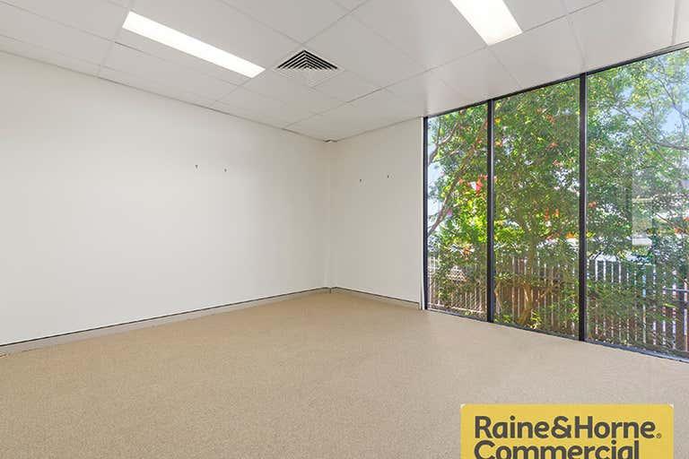 38A Douglas Street Milton QLD 4064 - Image 4
