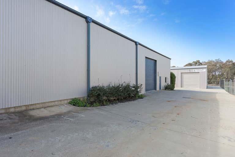2 & 3, 18 Annette Crescent Lavington NSW 2641 - Image 2