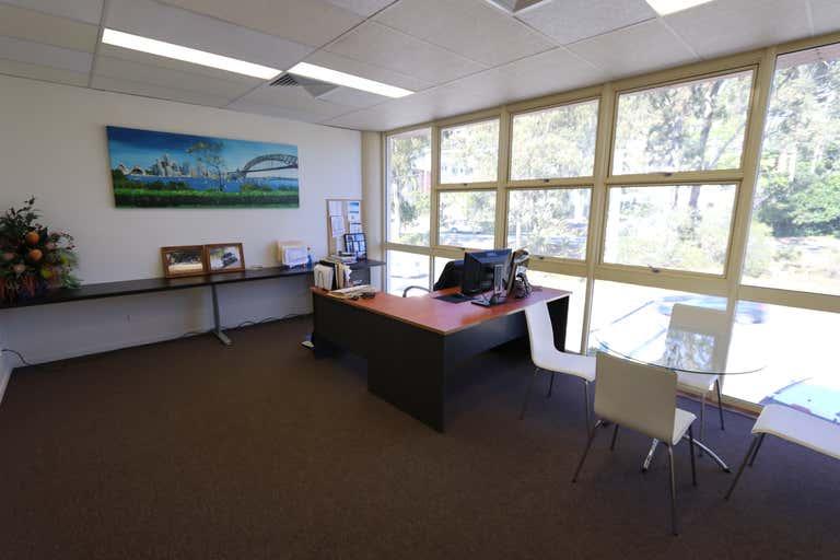 1/45-47 West Burleigh Rd Burleigh Heads QLD 4220 - Image 3