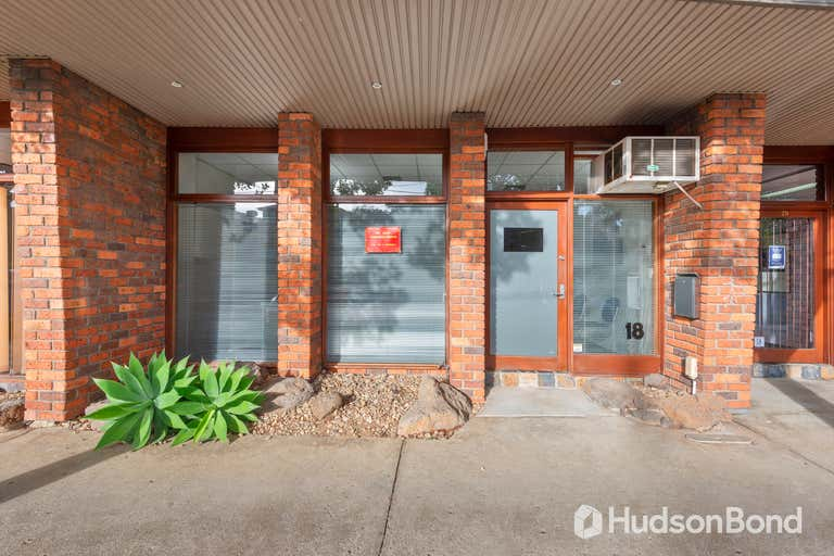 18 Pinnacle Crescent Bulleen VIC 3105 - Image 1