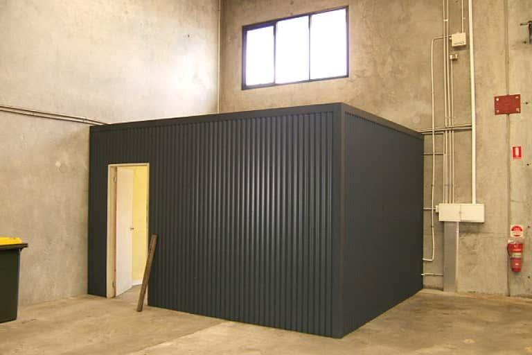 Unit 3, 25 Emplacement Crescent Fremantle WA 6160 - Image 2