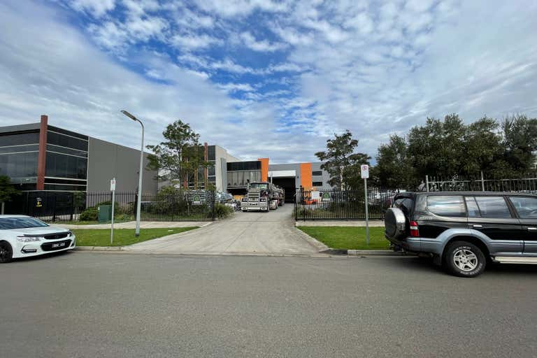 9 Gipps Court Epping VIC 3076 - Image 4