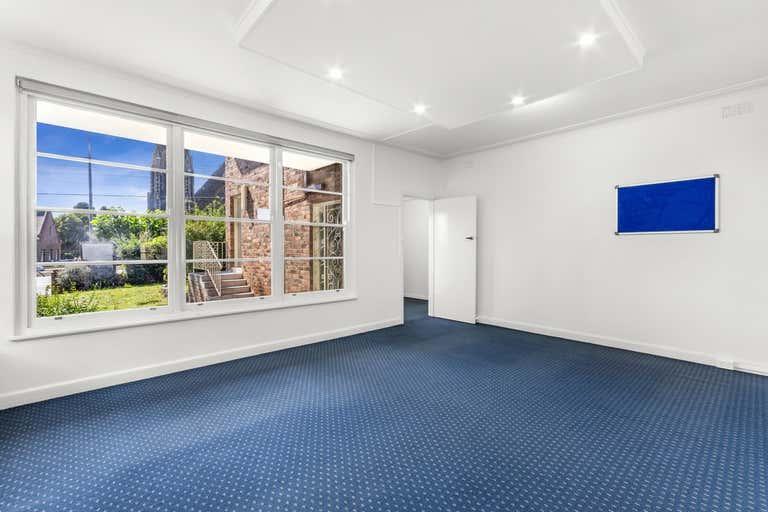 244 Latrobe Terrace Geelong VIC 3220 - Image 2