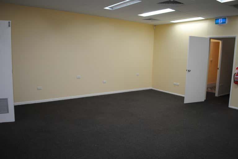 4C/21 Mayes Avenue Logan Central QLD 4114 - Image 4