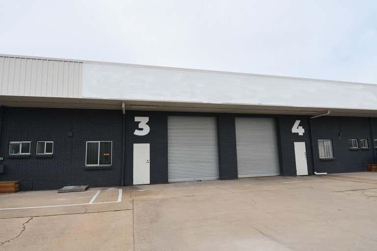 Unit 4, 39-45 Hugh Ryan Drive Garbutt QLD 4814 - Image 1