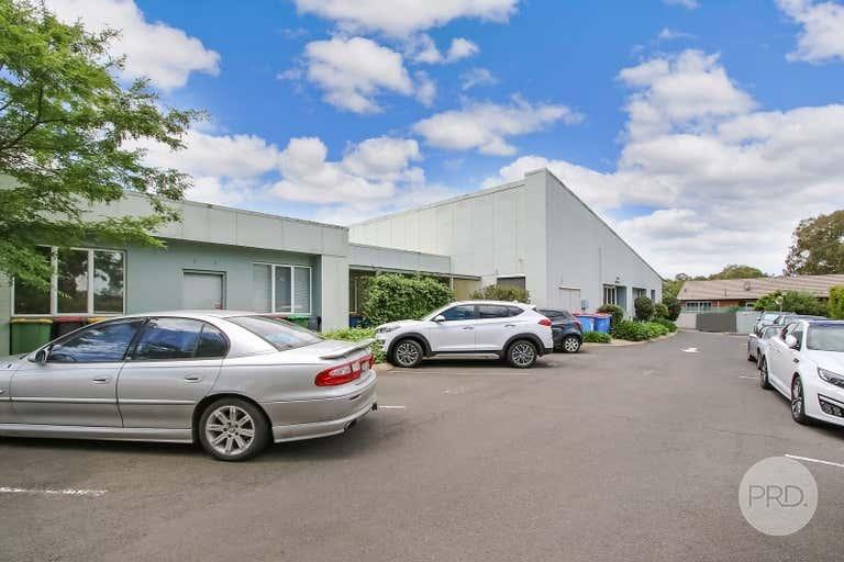 1/2 Ramsay Place West Albury NSW 2640 - Image 3