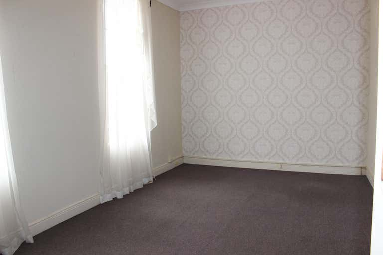 Suite 9 FF, 217 Margaret Street Toowoomba City QLD 4350 - Image 2