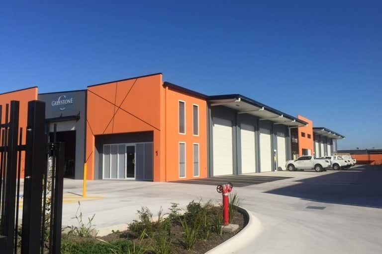 8/29-31 Fred Chaplin Circuit Bells Creek QLD 4551 - Image 3