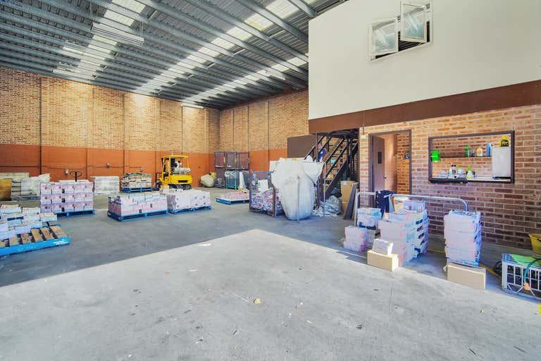 1/32 Investigator Drive Unanderra NSW 2526 - Image 4