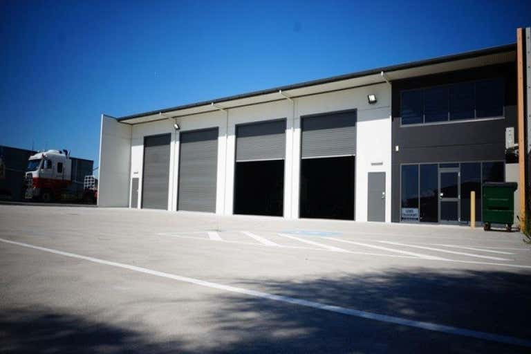 Unit, 41 Bradmill Ave Rutherford NSW 2320 - Image 1